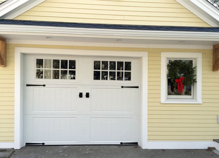 Three Section Carriage House Garage Door with ring handles and hinges in Hingham MA. & 35 best Boston Area Garage Door Ideas images on Pinterest | Boston ... pezcame.com