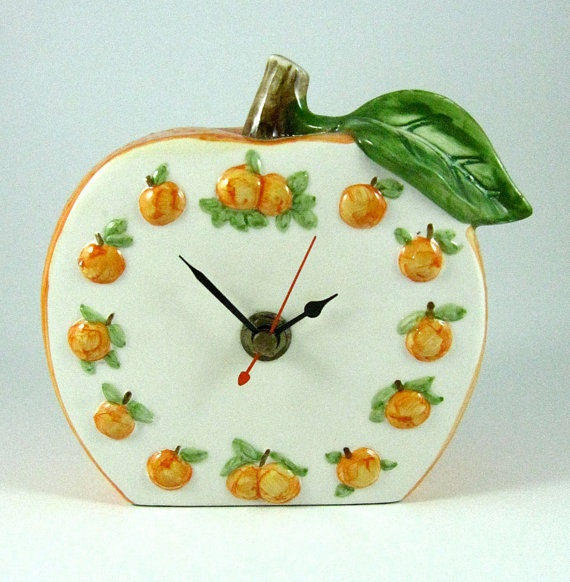 Retro Russ Berrie and Company Battery Operated Orange Clock