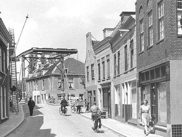 Rotterdam - Overschiese Dorpsstraat, 1943.