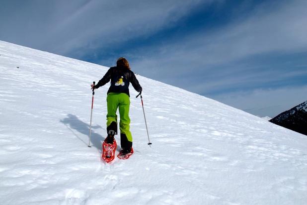 Descubre Beret con Era Escòla. Todos los jueves excursiones con raquetas de nieve.  www.eraescola.eu