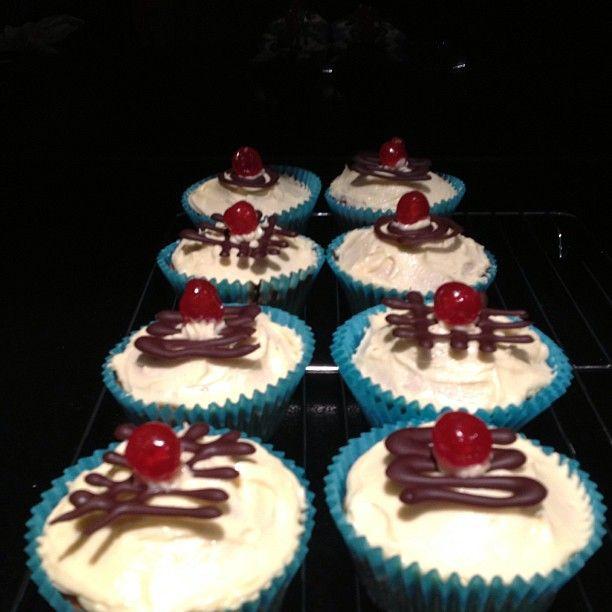 Red nose surprise cupcakes #glutenfree #dairyfree #hrpcakesale #rednoseday #Padgram