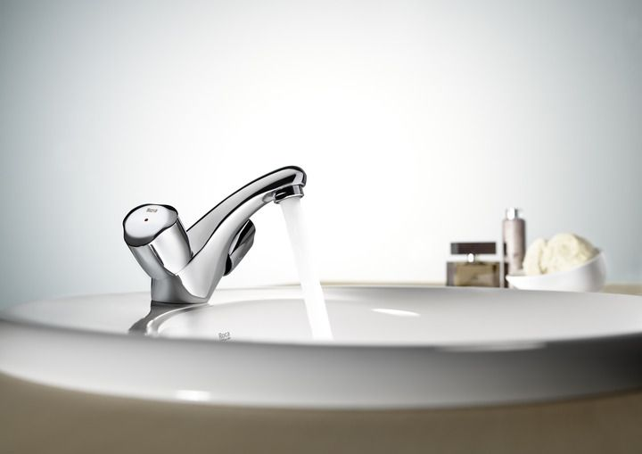 http://www.edenhogar.com/es/bimando-lavabo/roca-brava-grifo-lavabo-5a3130c00.html   Roca Brava     Grifo mezclador para lavabo con enganche para cadenilla    Referencia: 5A3130C00