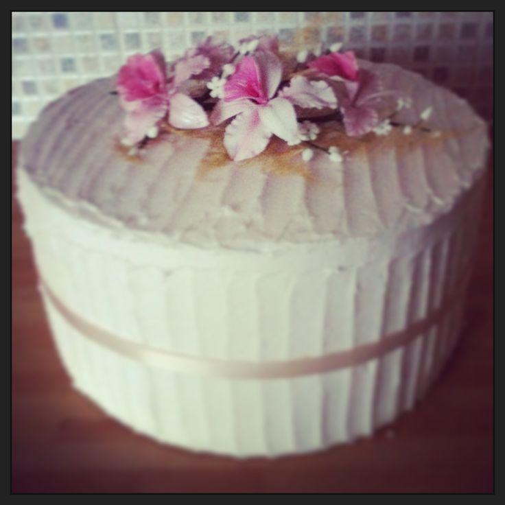 Rustic wedding cake :)