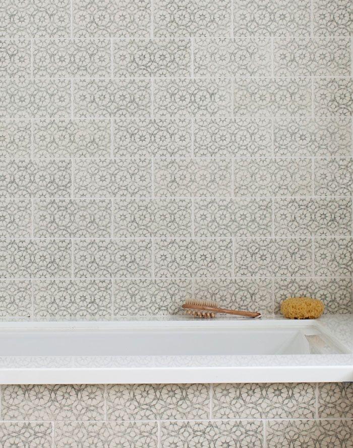 Scraffito Bath - Pratt & Larson