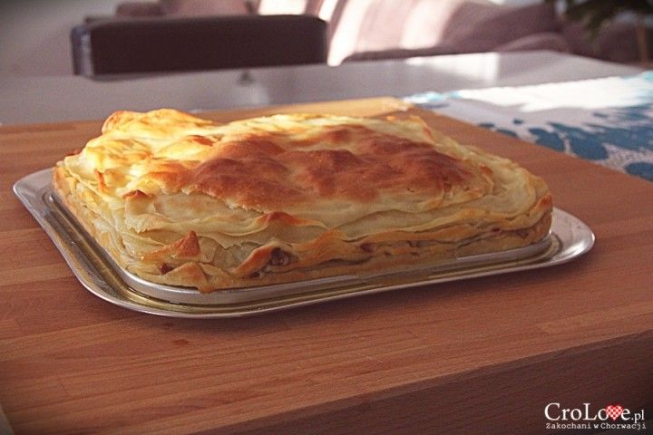 Gotowy Burek z mięsem || http://crolove.pl/przepis-na-burek-z-miesem/ || #burek #food #foodporn #croatia #chorwacja #kroatien #hrvatska