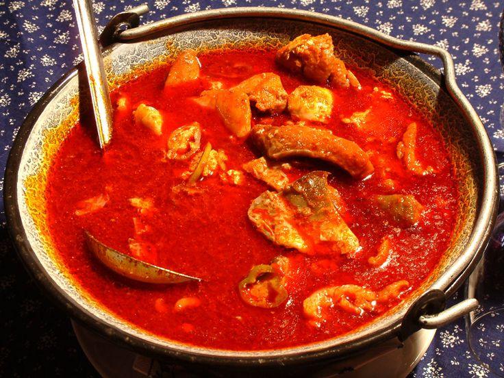 Szegedi halászlé (Fisherman's soup from Szeged)