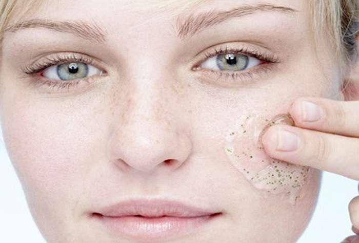 Μάσκα λίφτινγκ με λιναρόσπορο! 12 εφαρμογές για σούπερ αποτέλεσμα Η αντιφλεγμονώδης δράση του λιναρόσπορου, έχει αποτελέσματα και στην υγεία της επιδερμίδας