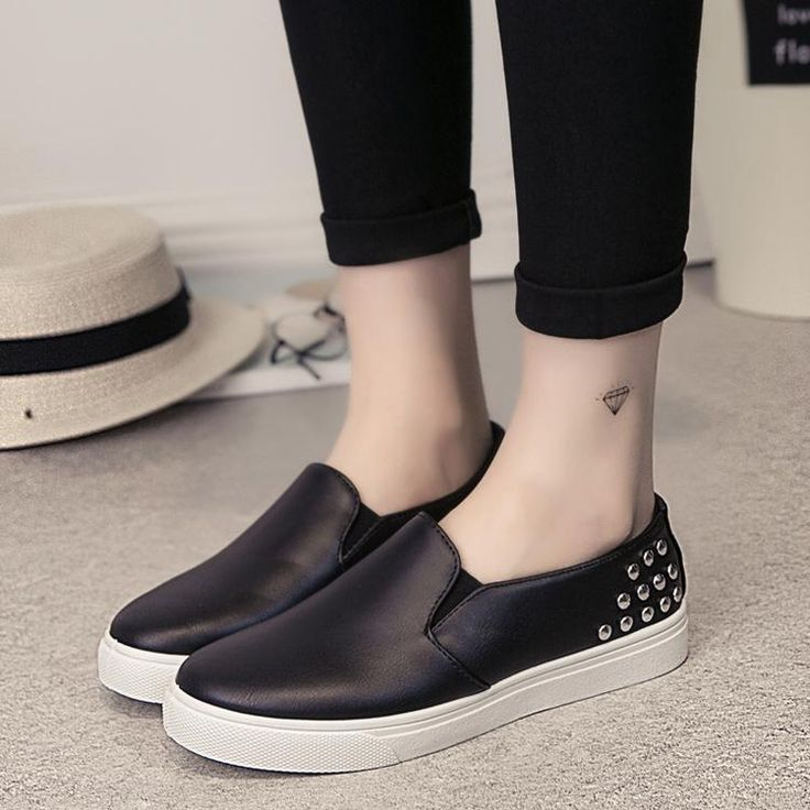 [Visit to Buy] 2017 rivets loafers women flats shoes casual slip on flat shoes woman spring vintage black white moccasins women creepers #Advertisement