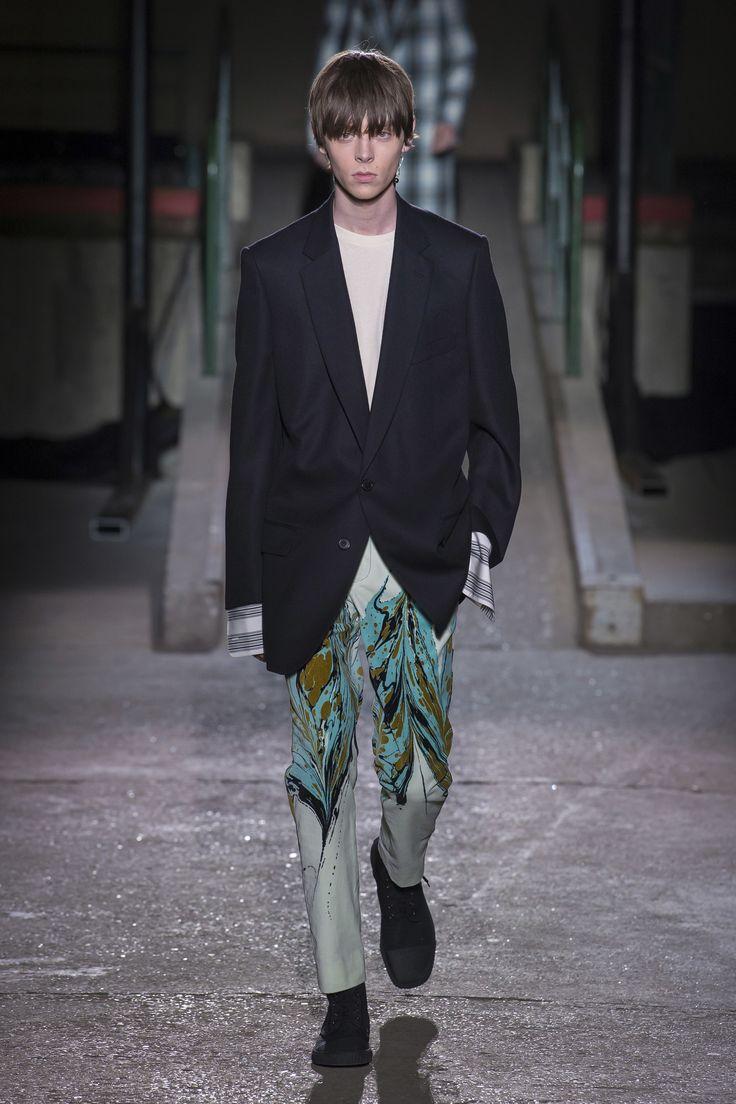 Dries Van Noten Fall 2018 Menswear Collection - Vogue