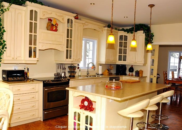 Armoire cuisine champetre recherche google decoration for Photo cuisine champetre