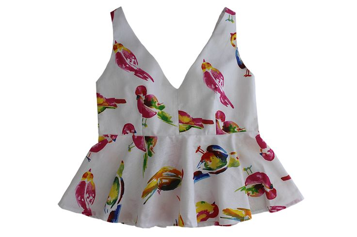 Empezamos la mañana con uno de vuestros tops BelleChic preferido  AQUÍ > http://www.colettemoda.com/producto/top-peplum-pajaros/  #colettepalencia #moda #estilo #outfit #verano