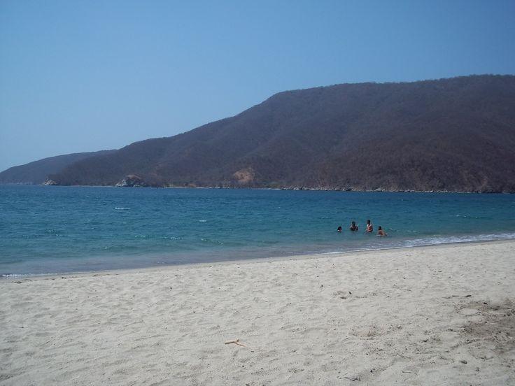 Colombia tierra querida. Playa Concha, Santa Marta.