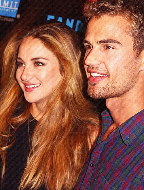 Shailene Woodley & Theo James Divergent | I LITERALLY HAV AN OBSESSION WITH THESE PPL AND THE BOOK AND IM SO EXCITED FOR THE MOVIE!! Ahhh. :):):):)
