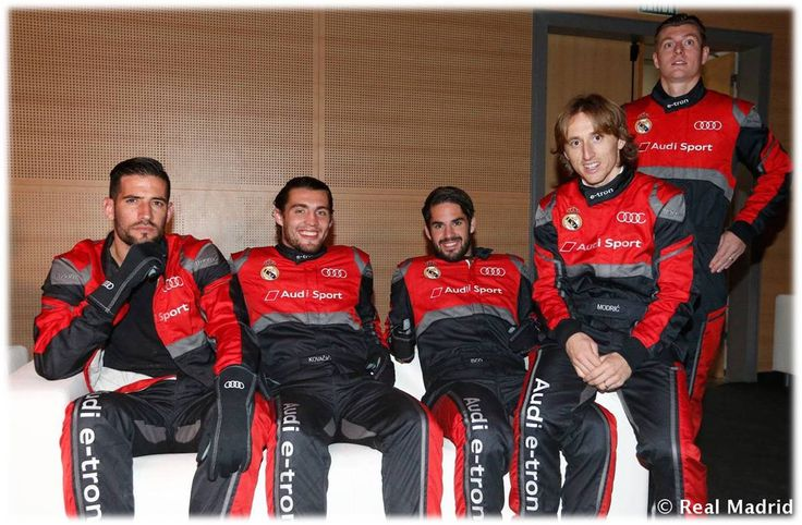 Audi (Spain) organised a competition between players with formula E simulators...#RM Players pitted their driving skills against each other in a simulated race to see who was the king of the race....