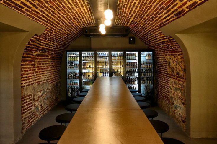 El Sainete es un bar ubicado en plena calle Segovia con casi 200 tipos de cervezas y una cocina basada en el recetario tradicional, pero renovado.