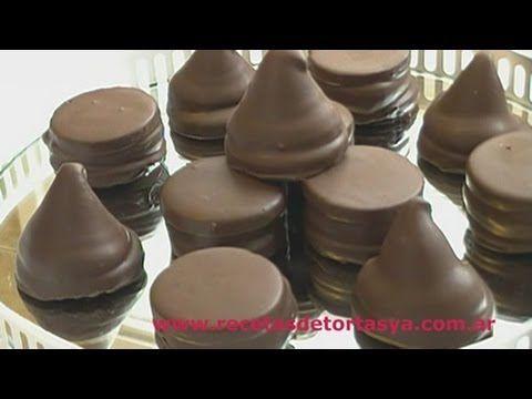 Receta con video de Conitos de dulce de leche y Alfajorcitos de Chocolate. Deliciosa receta para los amantes del dulce de leche y el chocolate ♥
