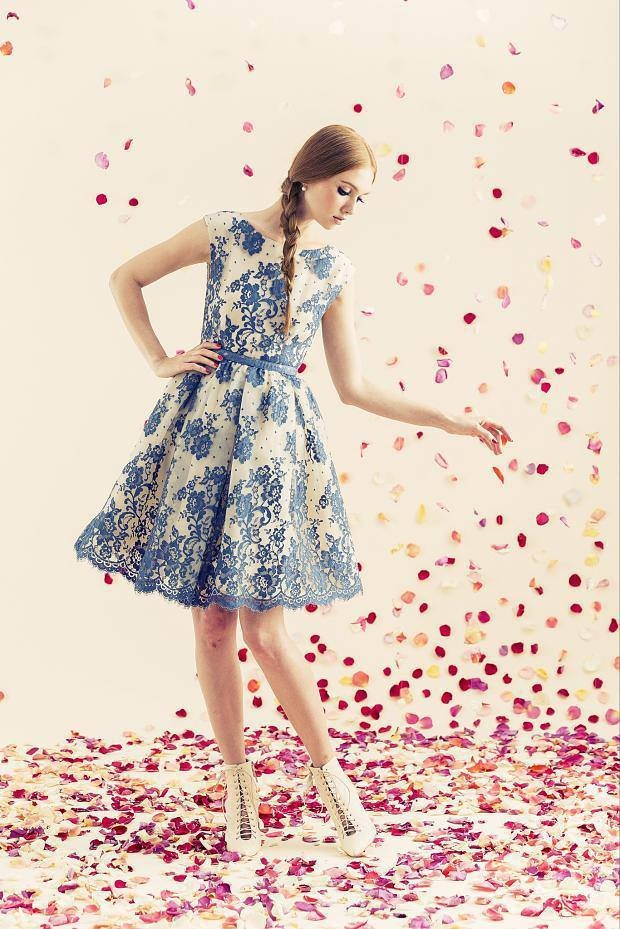 Love the daintiness of this #Alice+Olivia dress #Resort #FashionTV