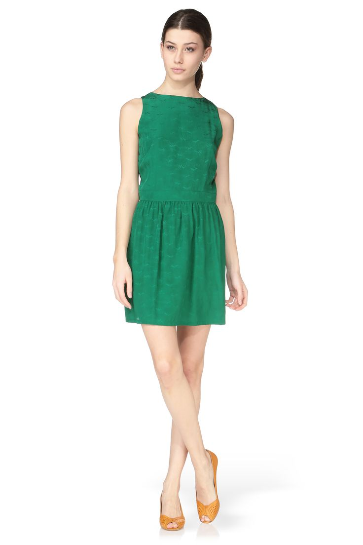 Robe soie verte dos ajoure dance sessun sur monshowroom for Robe fluide verte