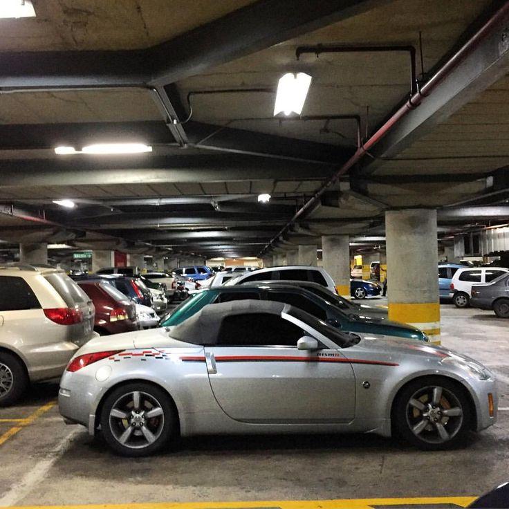 Nismo-ish 350Z #nissan #nismo #350z #convertible #nissan #jdm #japanesecar #z #morninautos #soloparking #chivera (at Centro Comercial El Recreo)