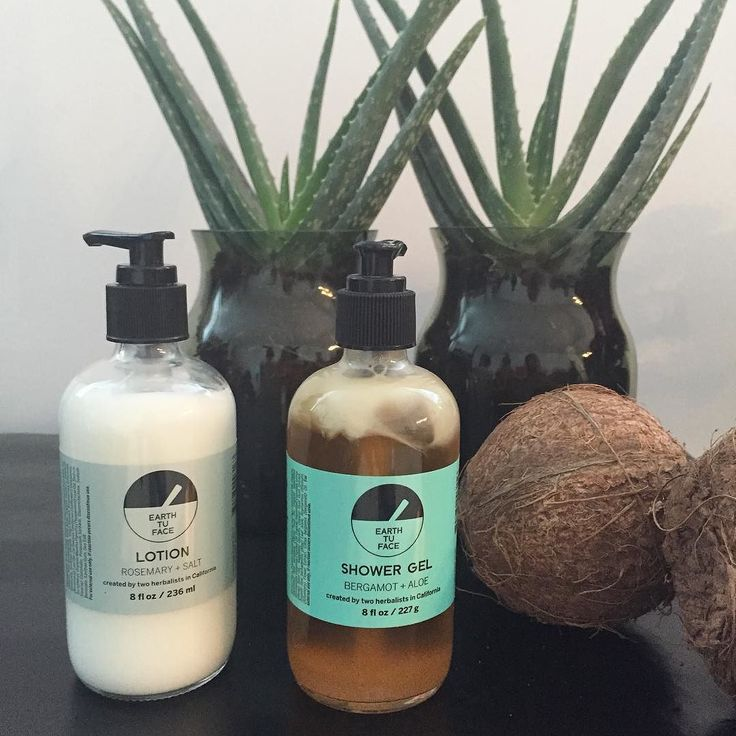 I have my routine down to 30 minutes every morning from the shower to completed makeup so here is my morning shower and body lotion ritual  You will discover soon that I love coconuts and aloe vera #earthtuface #aloevera #coconut #showergel #bodylotion #myfavorites #ilovethem #kokos #greenbeauty #vegan #bergamot #rosemary by np.cares