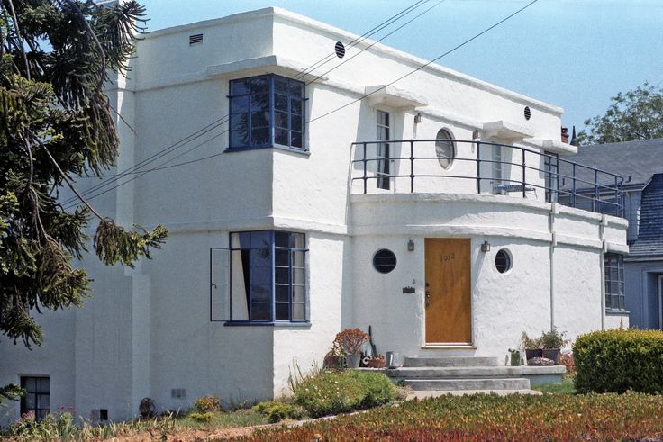 A classic example of 1930s streamline moderne architecture for Streamline moderne house plans