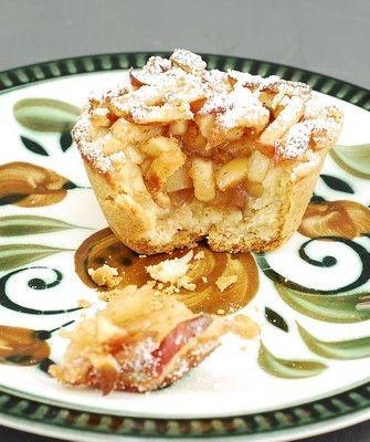 TARTALETAS DE MANZANA Y COÑAC Apple and Cognac Tarts Tartelettes aux pommes et au Cognac