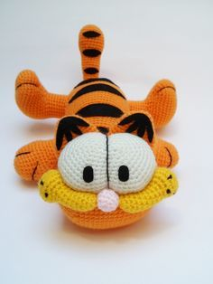 Garfield amigurumi. Patrón gratis en http://amigurumies.blogspot.com
