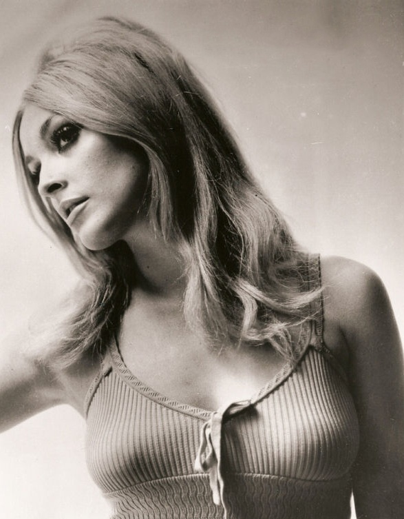 Are Sharon tate topless
