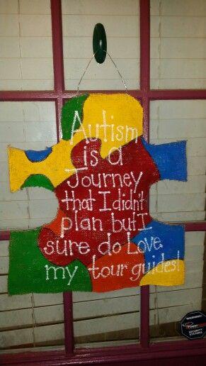 Burlap door hangers door hangers and autism on pinterest for Craft ideas for autistic students
