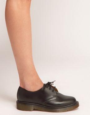 Увеличить Черные туфли на плоской подошве DrMartens 1461