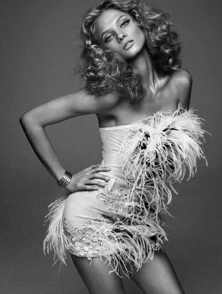 anna selezneva model9 Anna Selezneva is Rock Glam for Elle Spain by Xavi Gordo