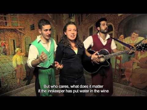 """Tre, due, uno... BENVENUTO #WEEKEND!   E' giunto il momento di rilassarsi con un #miniclip! Questa volta ad esibirsi è un gruppo di italiani. Credete che la sfida sia troppo semplice?! Abbiamo modificato il testo e... Non vi diciamo altro, buona visione! ;)  Italian #tourists take up the """"challenge"""" to sing a folk #roman song in spanish and english! Enjoy! #rome #italy #love"""