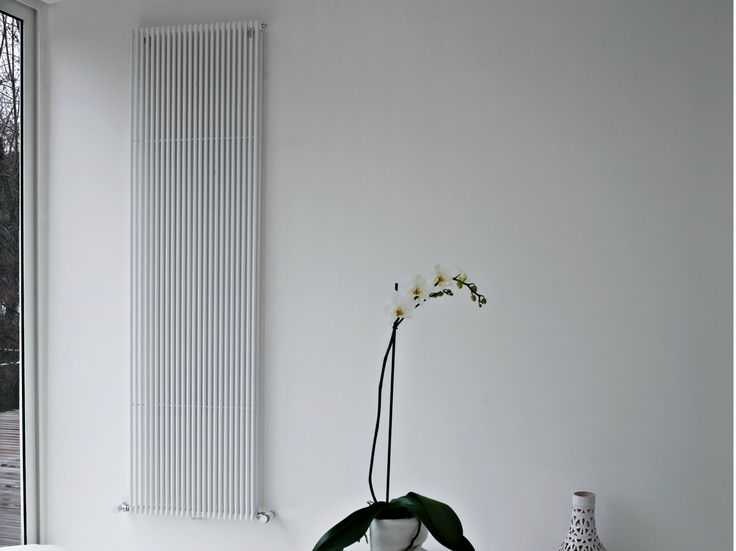 Warmwasser  Wandmontierter Designheizkörper BASICS 14D By Tubes Radiatori