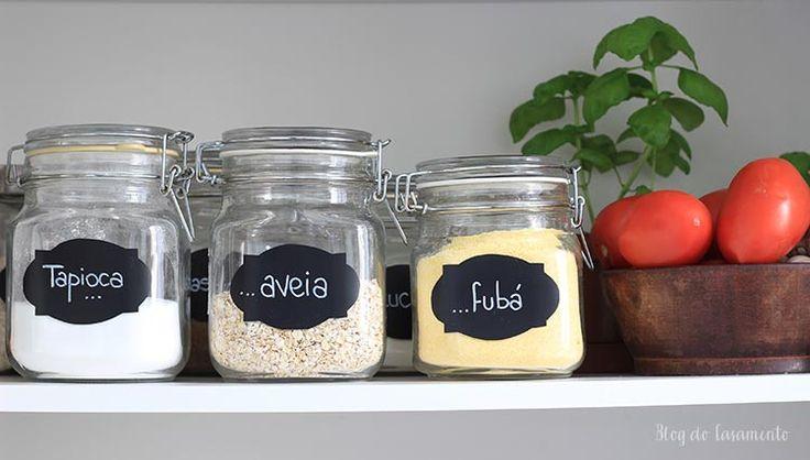 Download de etiquetas para os potinhos de alimentos http://www.blogdocasamento.com.br/download-de-etiquetas-paraorganizar-a-dispensa/