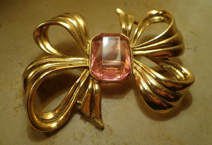 VINTAGE - SPILLA A FIOCCO-BROOCH IN THE SHAPE OF BOW-BROCHE EN FORME DE BOW