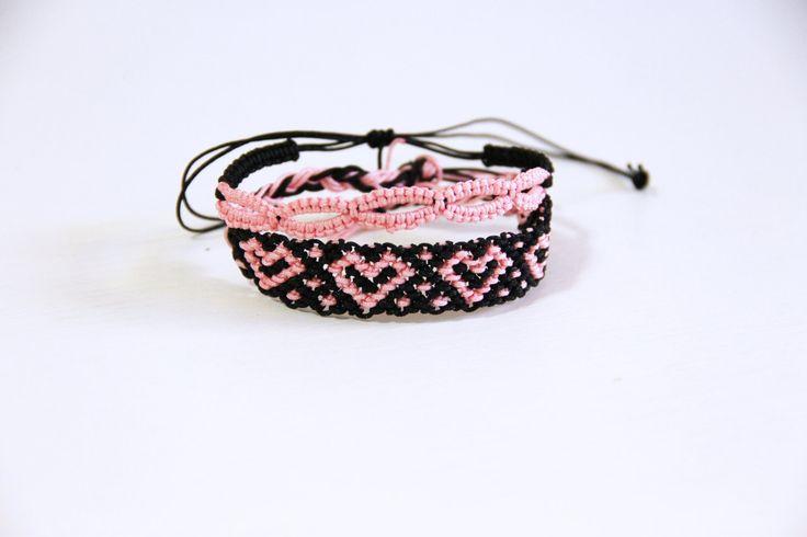 Braccialetti dell'amicizia rosa e nero, cuori, macramè/made in italy/braccialetti brasiliani/braccialetti a chiacchierino/cuori rosa di ItalianVictorianLace su Etsy