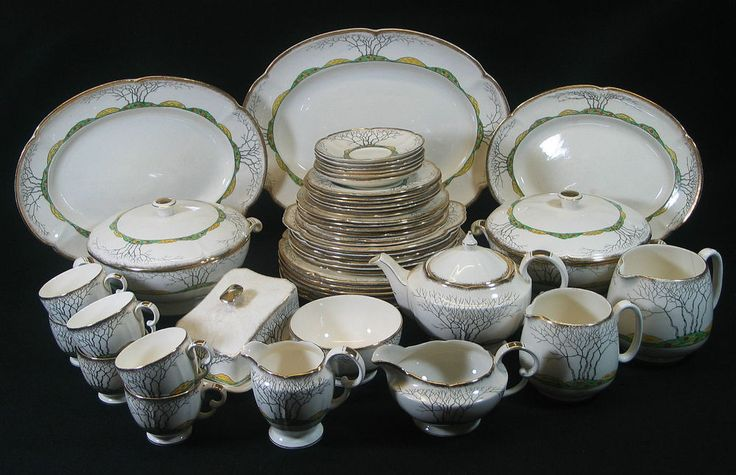 Crown Devon Fieldings Glenwood  52pc Dinner Service  c.1930 Rd No 834864 - 3207