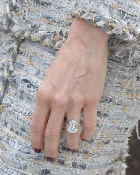 117 best images about celebrity engagement rings on for Sarah jessica parker wedding ring
