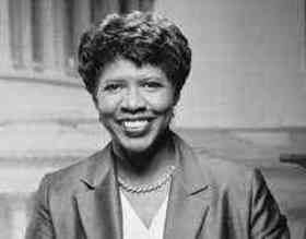 """Journalists are accused of being lapdogs when they don't ask the hard questions, but then accused of being rude when they do. Good thing we have tough hides."" Gwen Ifill, RIP 11-14-16"