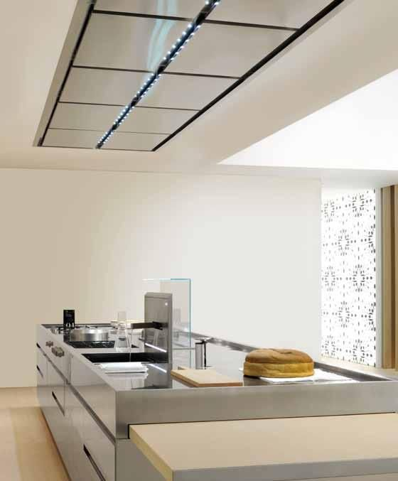 CONVIVIUM is one of the most unique designs in the Arclinea portfolio, characterized by the recessed horizontal groove handle. The Convivium island has become a true favorite throughout generations, allowing life in the kitchen to unfold naturally, just as it should.
