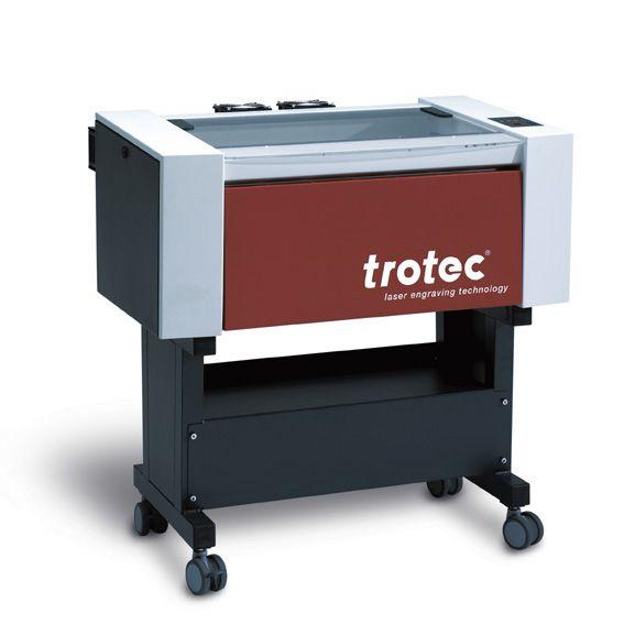 SPEEDY 100: #Equipo láser Co2, de @Trotec Laser, Inc. Speedy 100. Podrá realizar: corte y grabado láser de madera, textil, papel, acrílico, metacrilato, etc. Más información en www.framuntechno.com