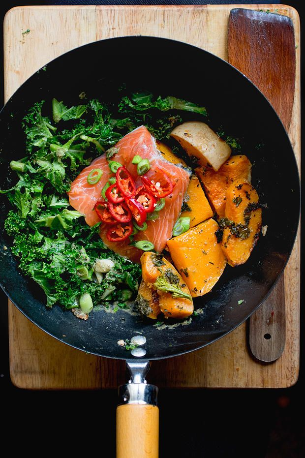 15 minute coconut salmon with kale.