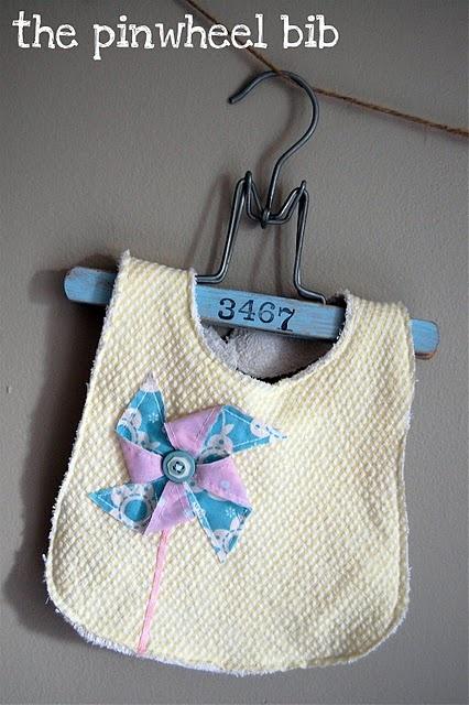 Pinwheel Bib Tutorial #diy #baby