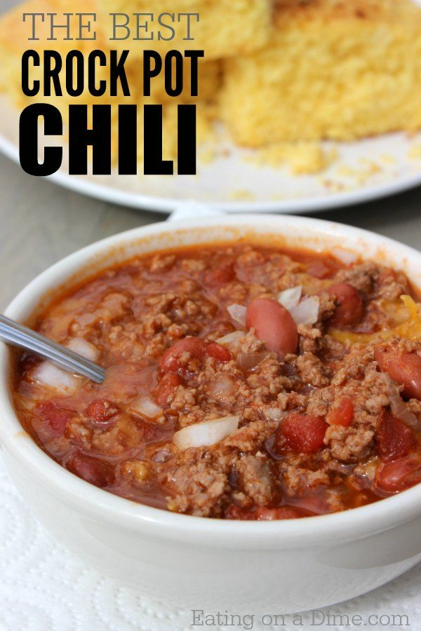 Quick and easy Crockpot Chili Recipe - Try this easy slow cooker chili recipe that the entire family will love. Easy Crock pot recipes.