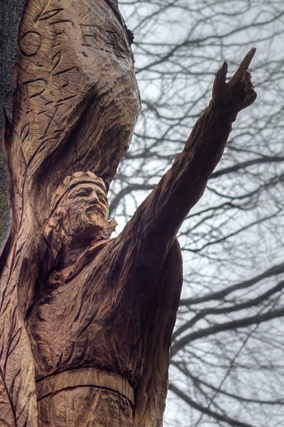 Best tree carvings images on pinterest carving