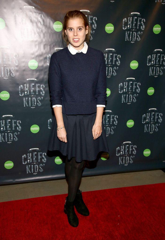 """23 февраля вечером принцесса Беатрис Йоркская посетила благотворительный гала-вечер """"Cookies For Kids"""", организованный фондом помощи детям, больным…"""