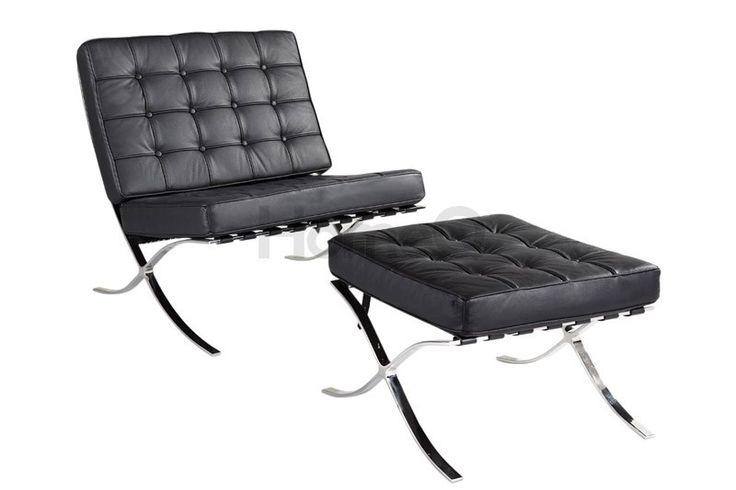 BARCELONA CHAIR van Ludwig Mies van der Rohe. Deze stoel uit 1929 - ontworpen voor het Duits paviljoen op de wereldtentoonstelling in de Spaanse stad waarvoor de architect geen geschikte meubels vond - ademt de sfeer van het modernisme. 'Elegant, maar monumentaal', zo sprak Van der Rohe zelf over zijn meest bekende meubel. Sinds 1929 wordt hij geproduceerd door Knoll.