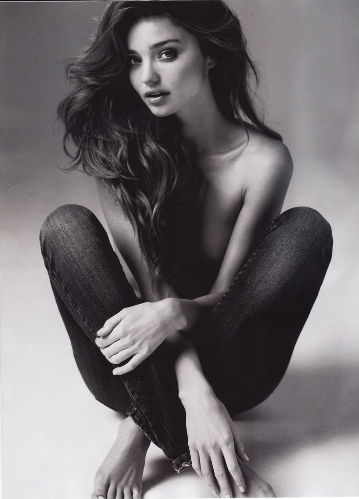 Nice Miranda Kerr with perfect hairstyle