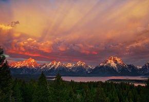 США, национальный парк Гранд-Титон, штат Вайоминг, утро, горы, небо, лес, озеро