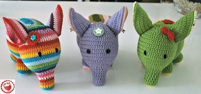 New: FREE Elephant pattern in SUCH detail a beginner could do this, it really is stunning. Heart and ears tutorial too. Amazingly kind share, thanks so xox